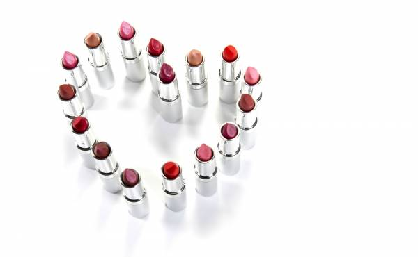 Read My Lips: What Your Lipstick Color Says About You
