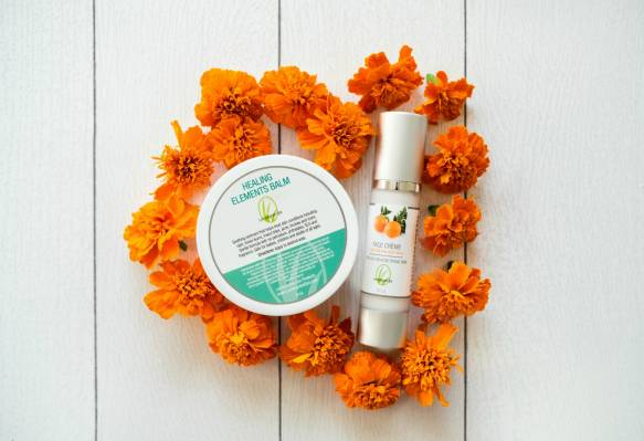 Best Buds: Benefits of Florals in Skincare